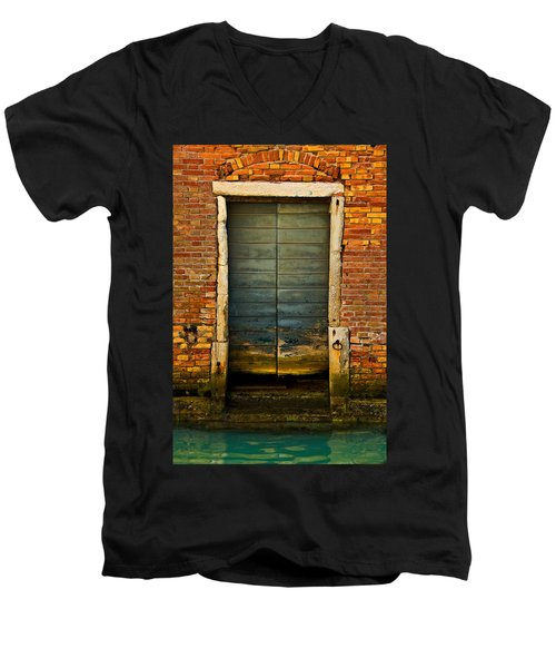 Water-logged Door Men's V-Neck T-Shirt