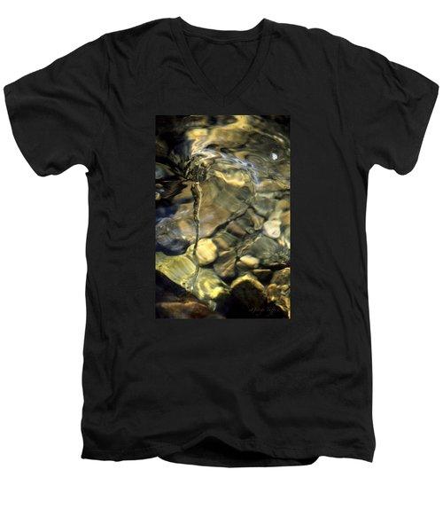 Water Spout Men's V-Neck T-Shirt
