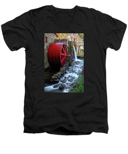 Wayside Inn Grist Mill Water Wheel Men's V-Neck T-Shirt