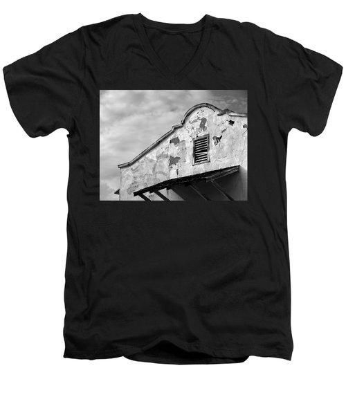 Weathered Sanctuary Men's V-Neck T-Shirt
