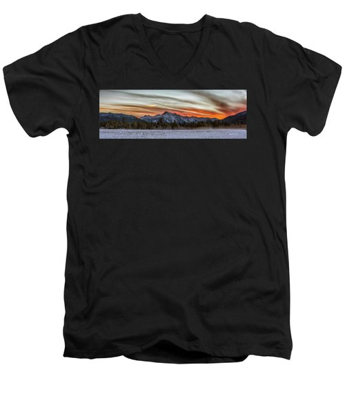 Whitehorse Sunset Panorama Men's V-Neck T-Shirt