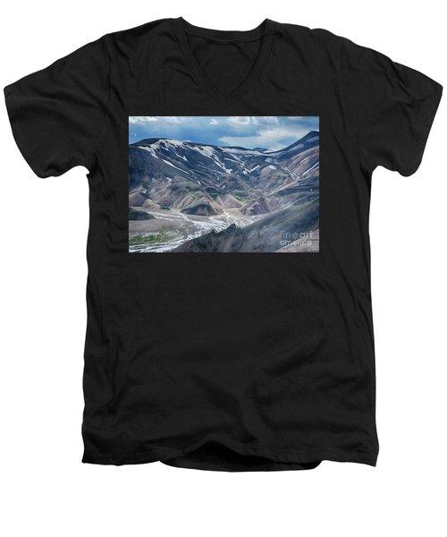 wild Iceland 3 Men's V-Neck T-Shirt