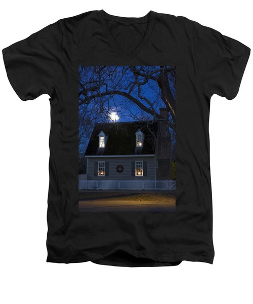 Williamsburg House In Moonlight Men's V-Neck T-Shirt