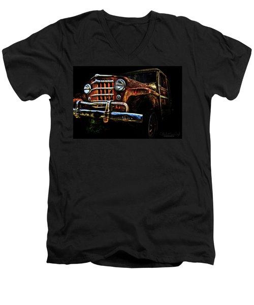 Willy's Station Wagon Men's V-Neck T-Shirt