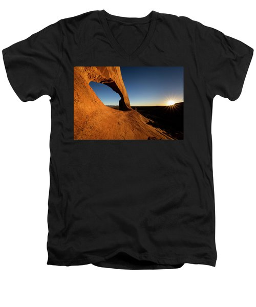Wilson Arch 2 Men's V-Neck T-Shirt