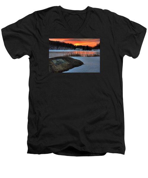 Winter Sunset Abbott Lake Men's V-Neck T-Shirt