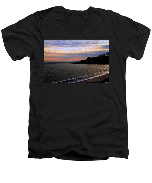 Winter's Beachcombing Men's V-Neck T-Shirt