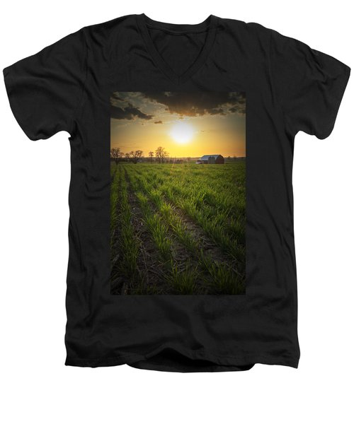 Wisconsin Farm Men's V-Neck T-Shirt
