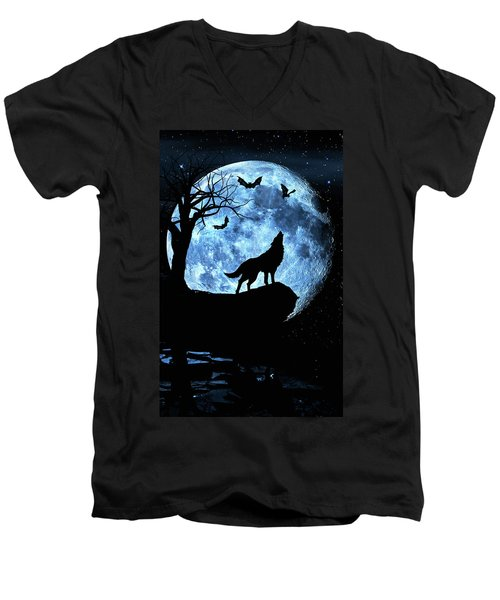 Wolf Howling At Full Moon With Bats Men's V-Neck T-Shirt