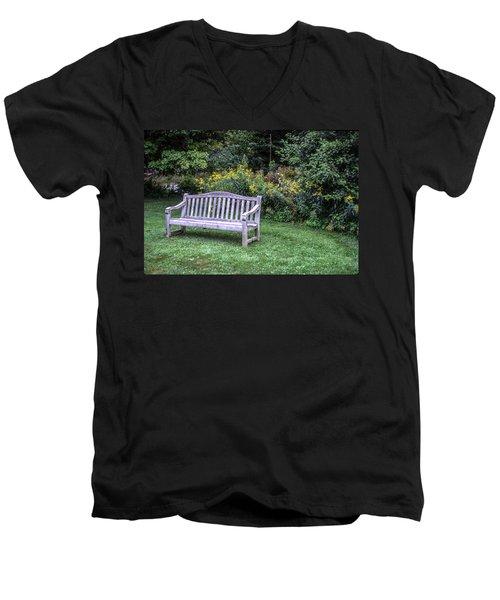 Woodstock Bench Men's V-Neck T-Shirt