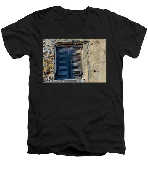 Zakynthos Town Window Men's V-Neck T-Shirt