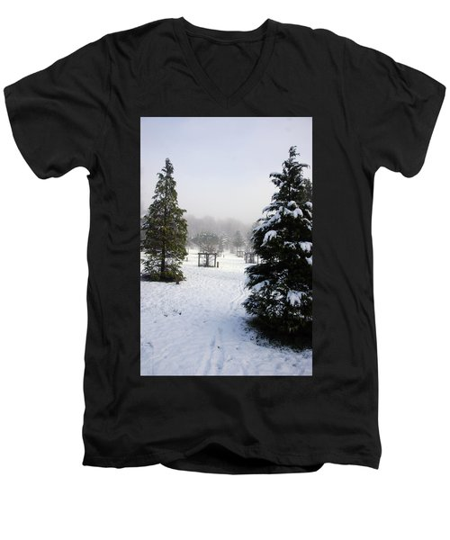 30/01/19  Rivington. Memorial Arboretum. Men's V-Neck T-Shirt