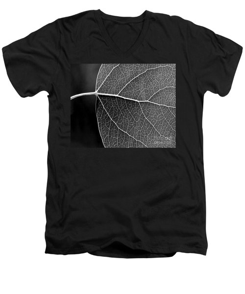 Aspen Leaf Veins Men's V-Neck T-Shirt