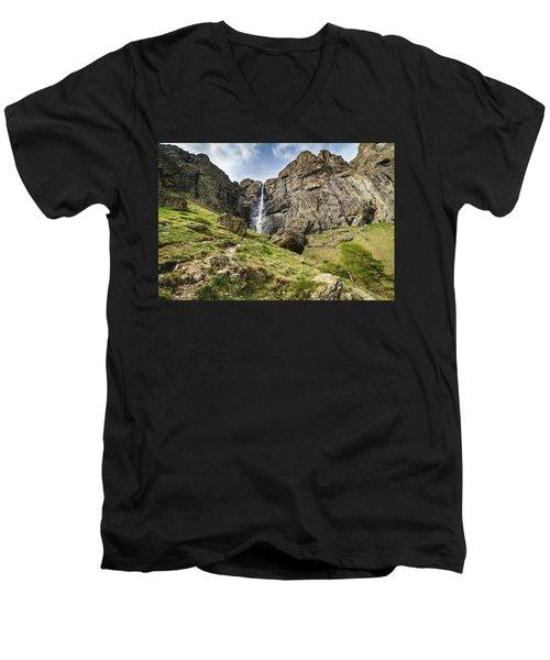 Raysko Praskalo Waterfall, Balkan Mountain Men's V-Neck T-Shirt