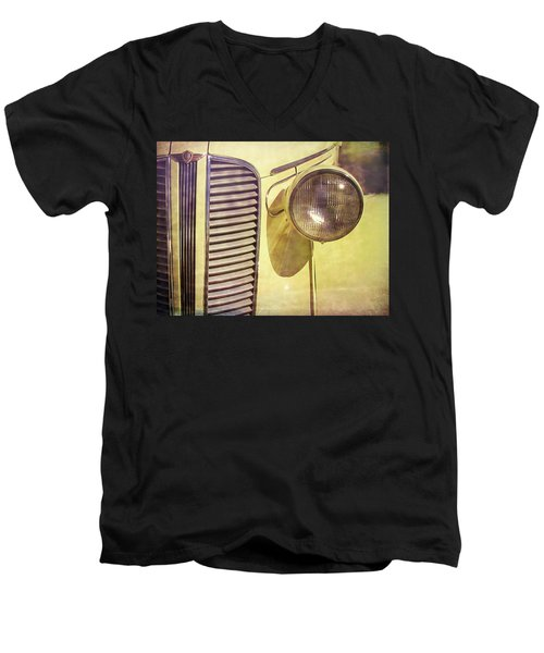 1937 Dodge Gritty Men's V-Neck T-Shirt