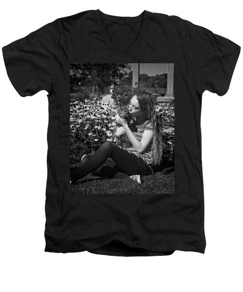 1BE Men's V-Neck T-Shirt