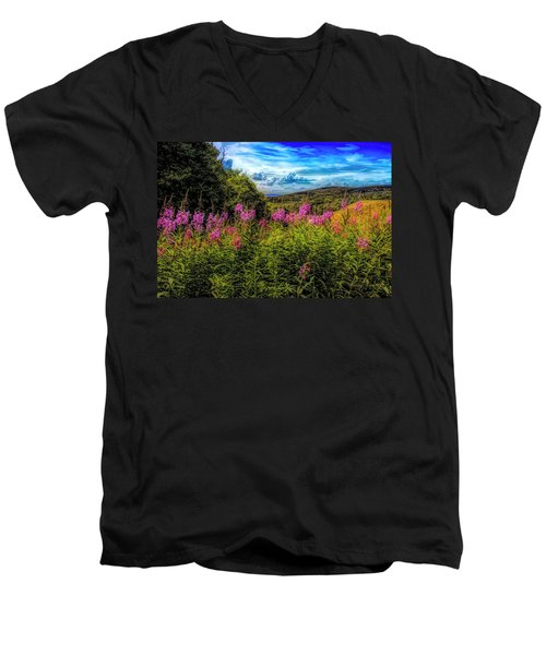 Art Photo Of Vermont Rolling Hills With Pink Flowers In The Fore Men's V-Neck T-Shirt