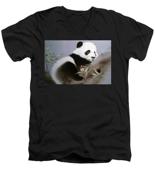 Baby Panda And Butterfly Men's V-Neck T-Shirt