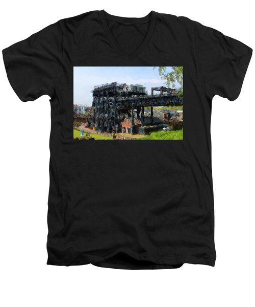 Boat Lift Men's V-Neck T-Shirt