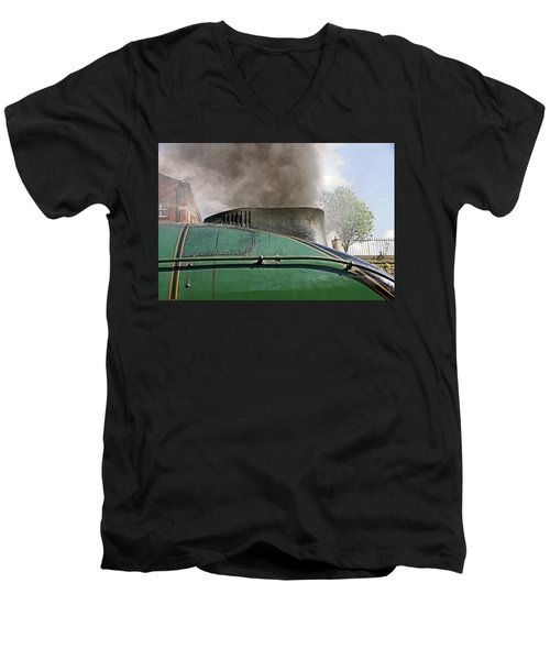Bury. East Lancashire Railway. 60009 Union Of South Af Men's V-Neck T-Shirt