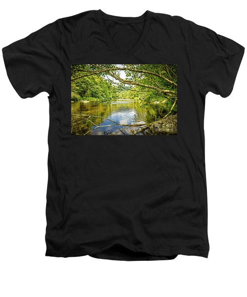 Canal Pool Men's V-Neck T-Shirt