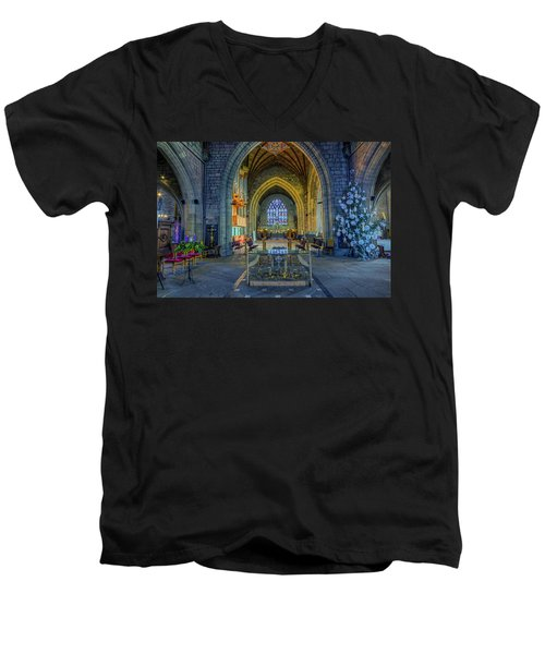 Cathedral At Christmas Men's V-Neck T-Shirt