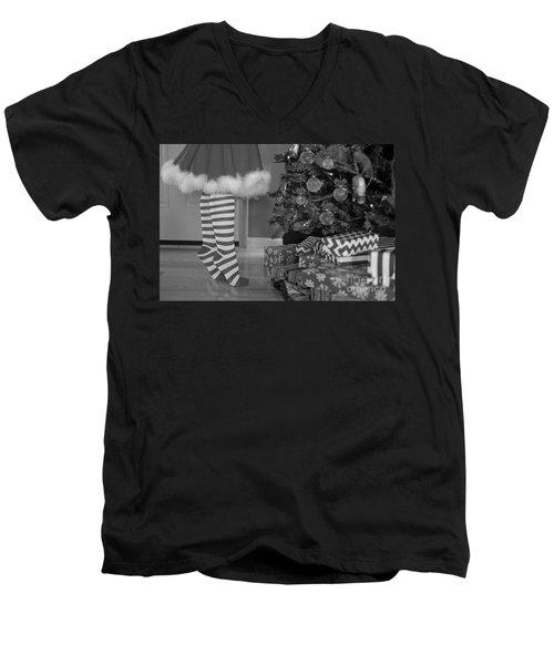 Christmas 10 Men's V-Neck T-Shirt