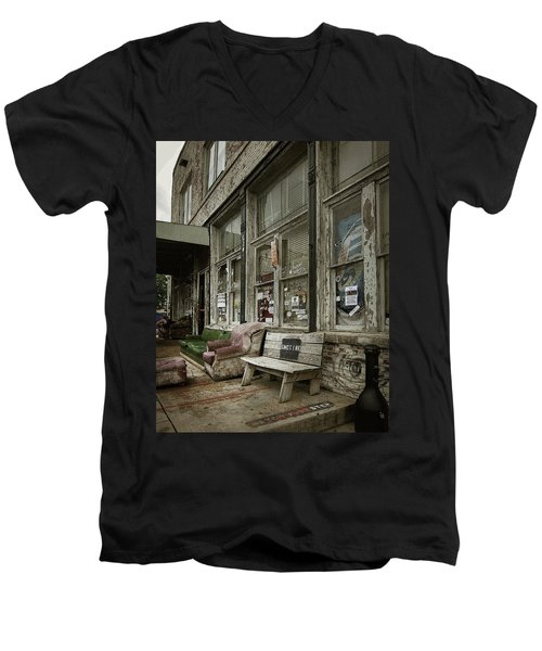 Clarksdale Men's V-Neck T-Shirt