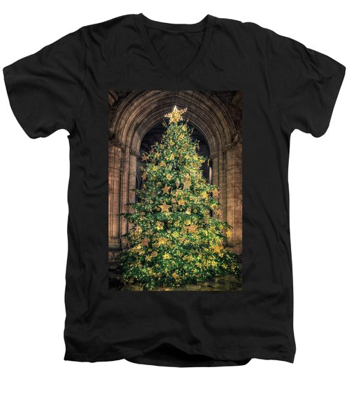 Ely Cathedral Christmas Tree 2018 Men's V-Neck T-Shirt