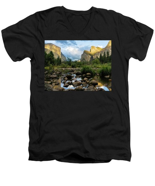 Gates Of The Valley 3 Men's V-Neck T-Shirt