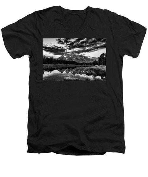 Grand Tetons, Wyoming Men's V-Neck T-Shirt