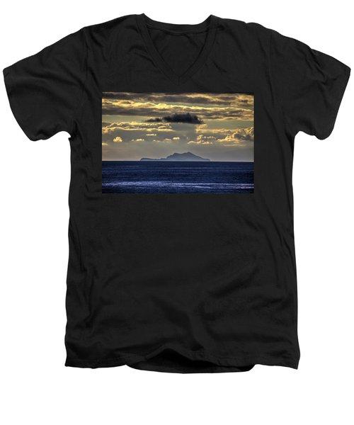 Island Cloud Men's V-Neck T-Shirt