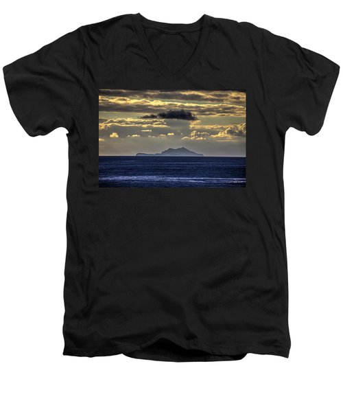 Island Cloud Men's V-Neck T-Shirt