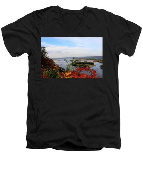 Mississippi River In The Fall Men's V-Neck T-Shirt