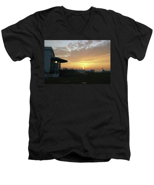 Morecambe. Evening On The Bay Men's V-Neck T-Shirt