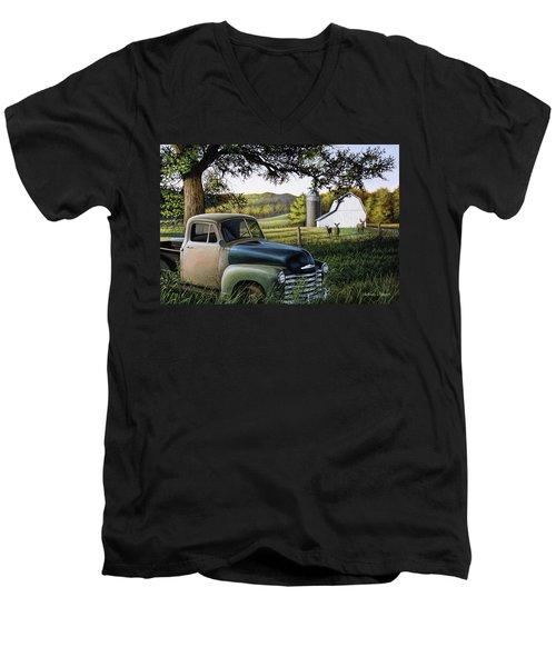 Old Farm Truck Men's V-Neck T-Shirt