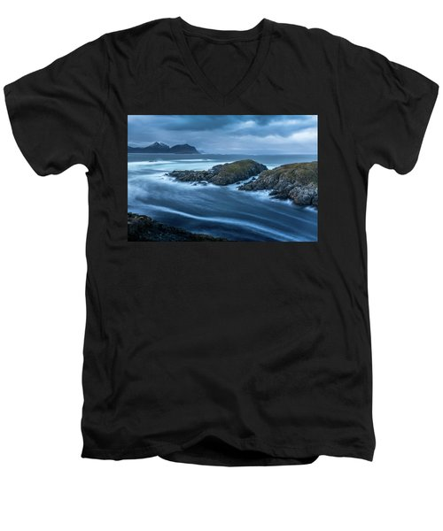 Water Flow At Stormy Sea Men's V-Neck T-Shirt