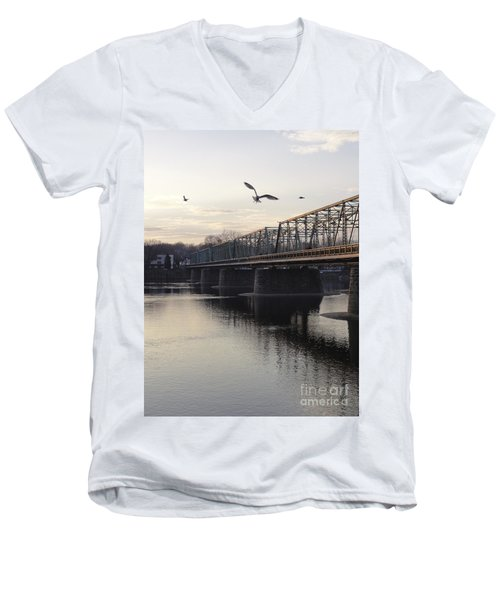 Gulls At The Bridge In January Men's V-Neck T-Shirt
