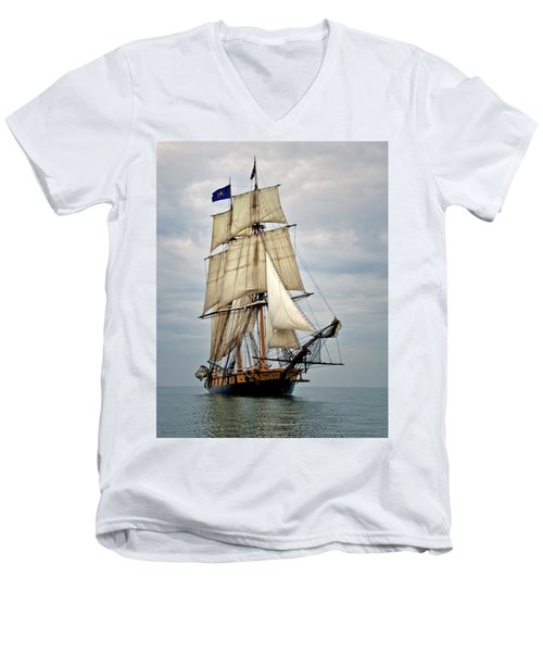 Flagship Niagara Men's V-Neck T-Shirt