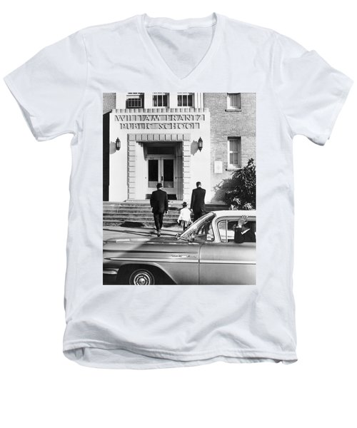 New Orleans School Integration Men's V-Neck T-Shirt