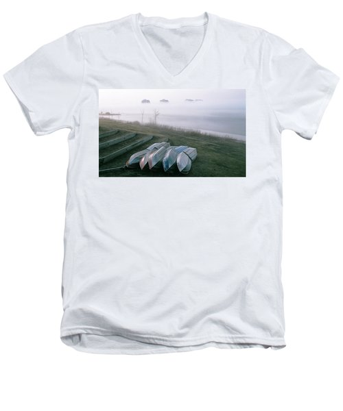 Men's V-Neck T-Shirt featuring the photograph Patiently Waiting by David Porteus
