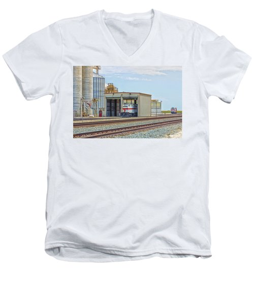 Foster Farms Locomotives Men's V-Neck T-Shirt