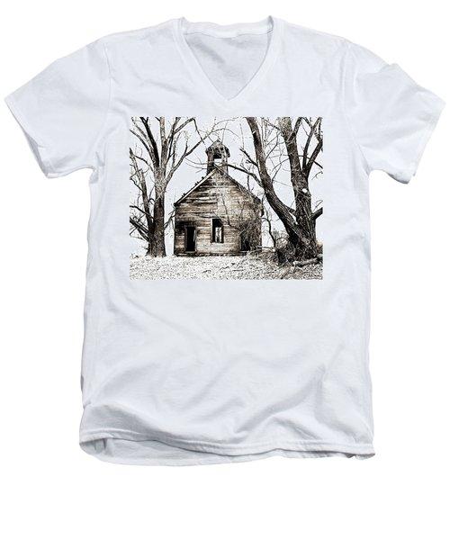 1904 School House Memory Men's V-Neck T-Shirt