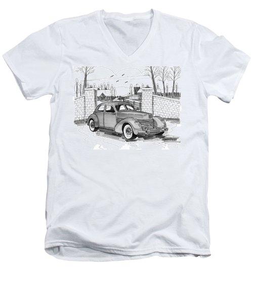 1937 Cord 812 Men's V-Neck T-Shirt