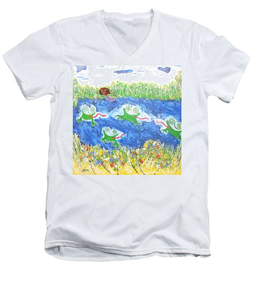 4 Frogs And A Bear Men's V-Neck T-Shirt