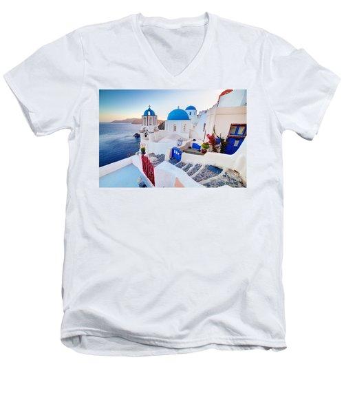 Oia Town On Santorini Greece Men's V-Neck T-Shirt