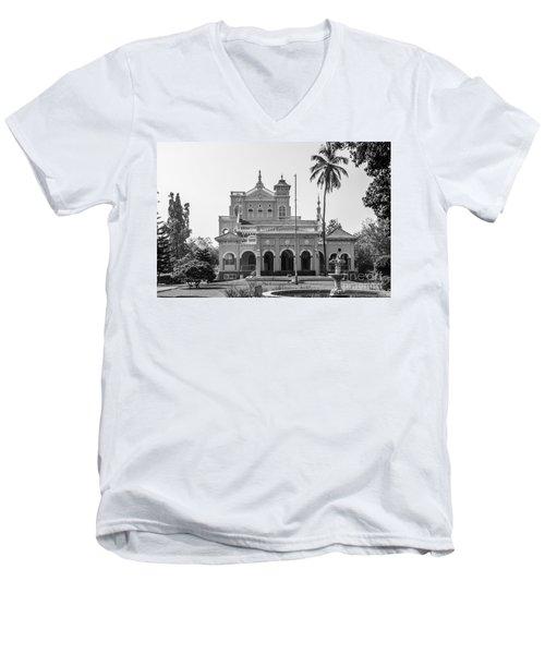 Aga Khan Palace Men's V-Neck T-Shirt