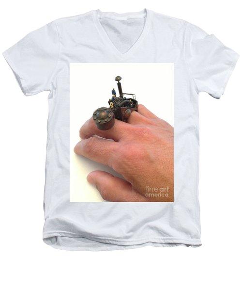 Ring Men's V-Neck T-Shirt