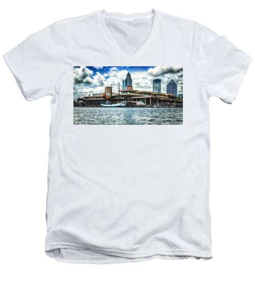 Arc Gloria In Port In Hdr Men's V-Neck T-Shirt