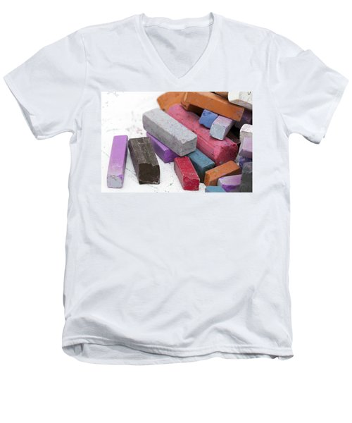 Artist Chalk Men's V-Neck T-Shirt